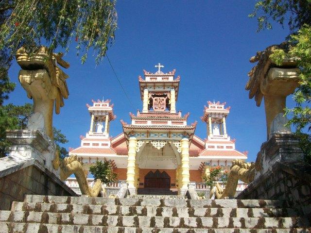 catholic-church-dalat